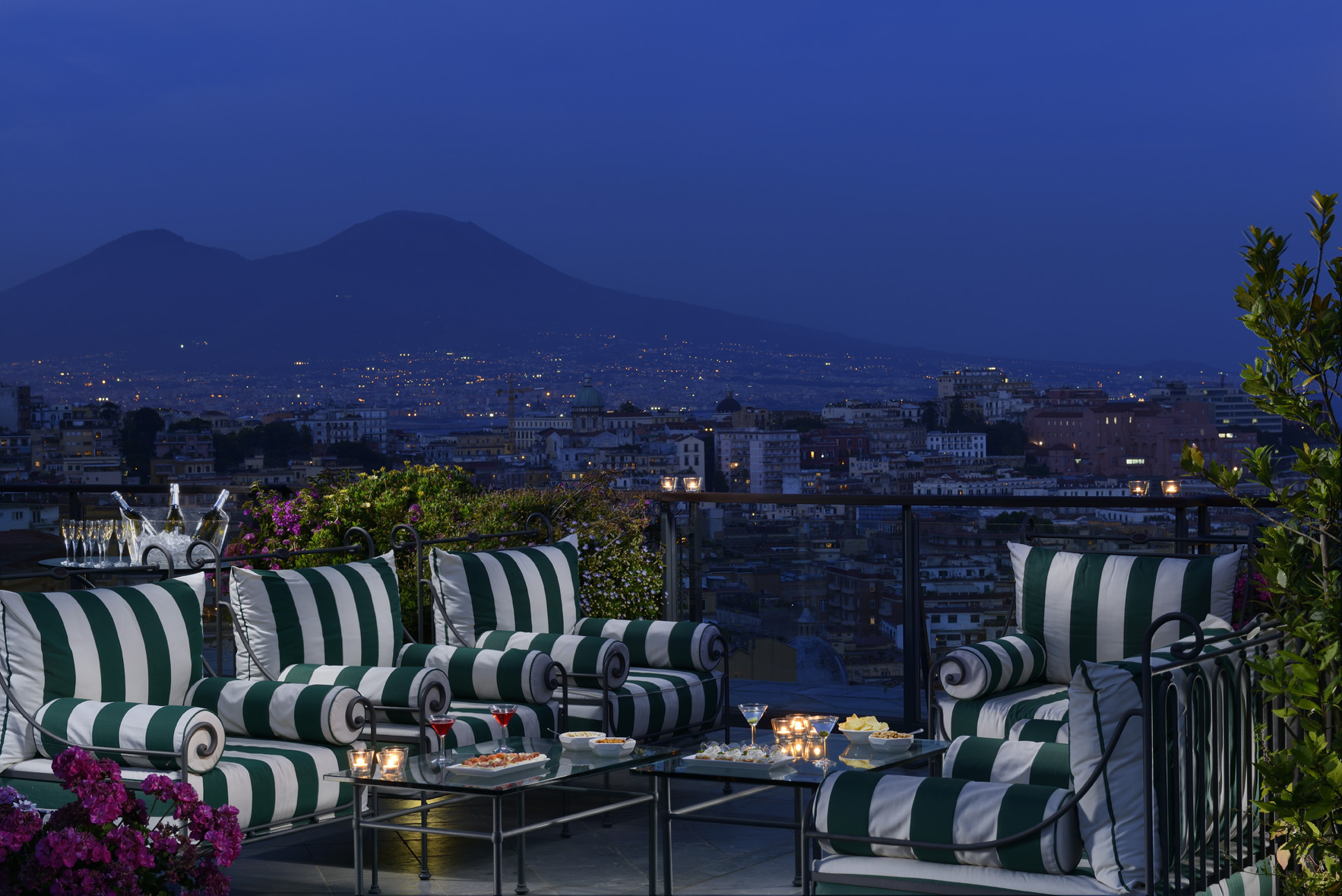 Stargazing romance and luxury with small luxury hotels of for Luxury hotels of the world