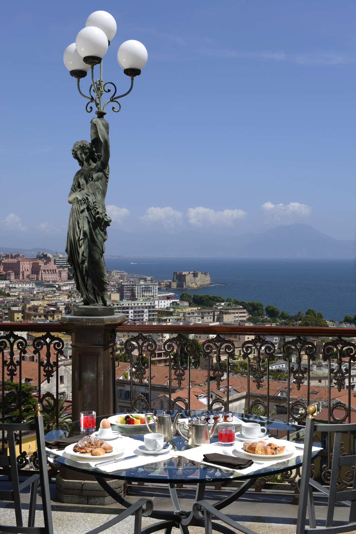 Grand Hotel Parkers - view over Naples