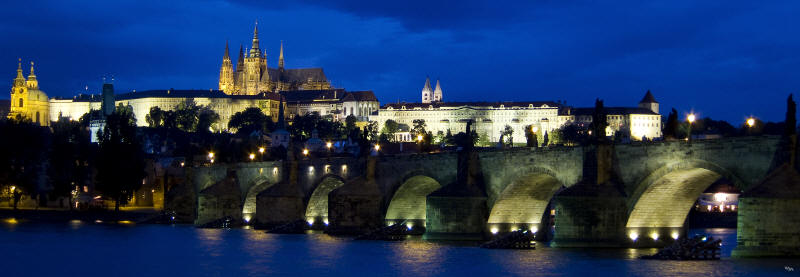 Prague%20Castle%20and%20Charles%20bridge%20nite%2038x13%20a%20sm