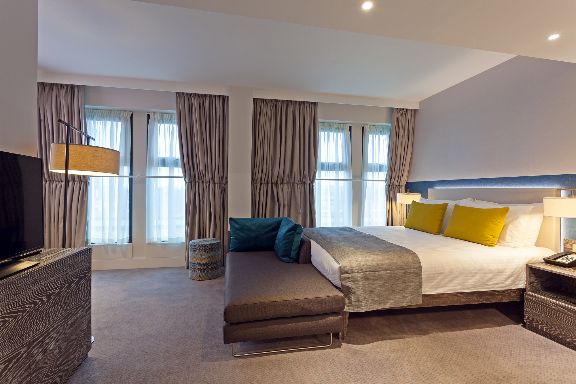 Staybridge Suites London Vauxhall Deluxe Studio Suite 1