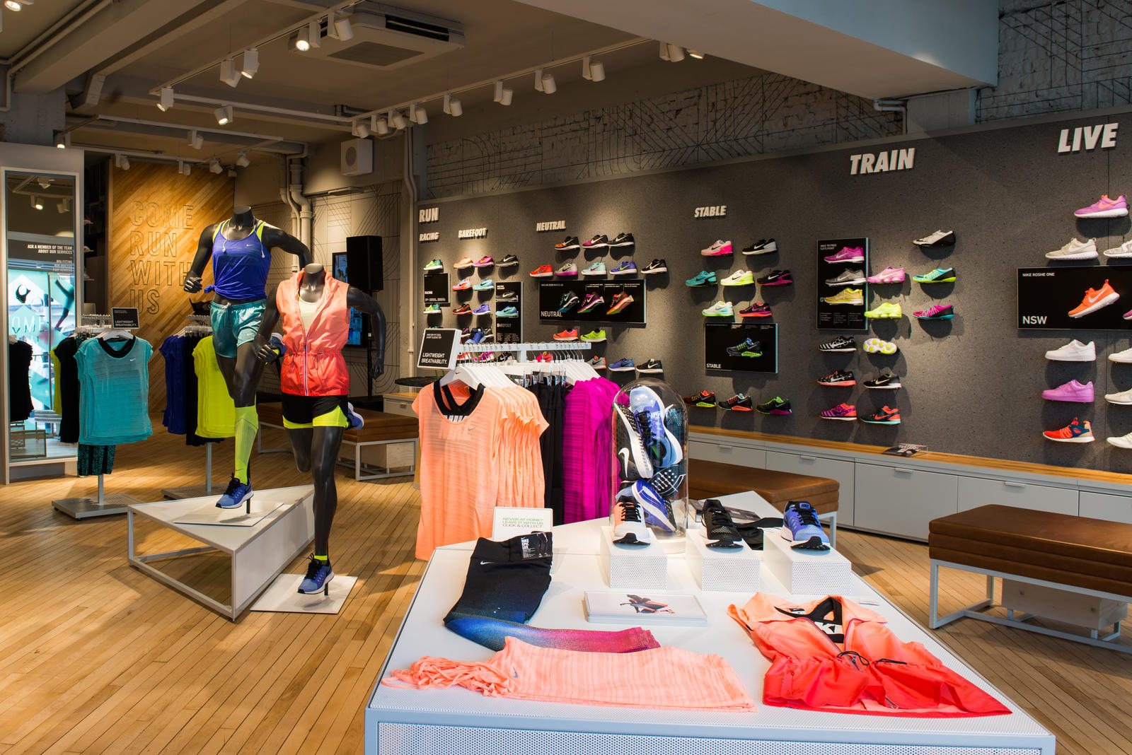 The House Of Coco team has just gotten word that powerhouse company Nike  has just opened the first-ever women s only European store. 99ad67e7afa6