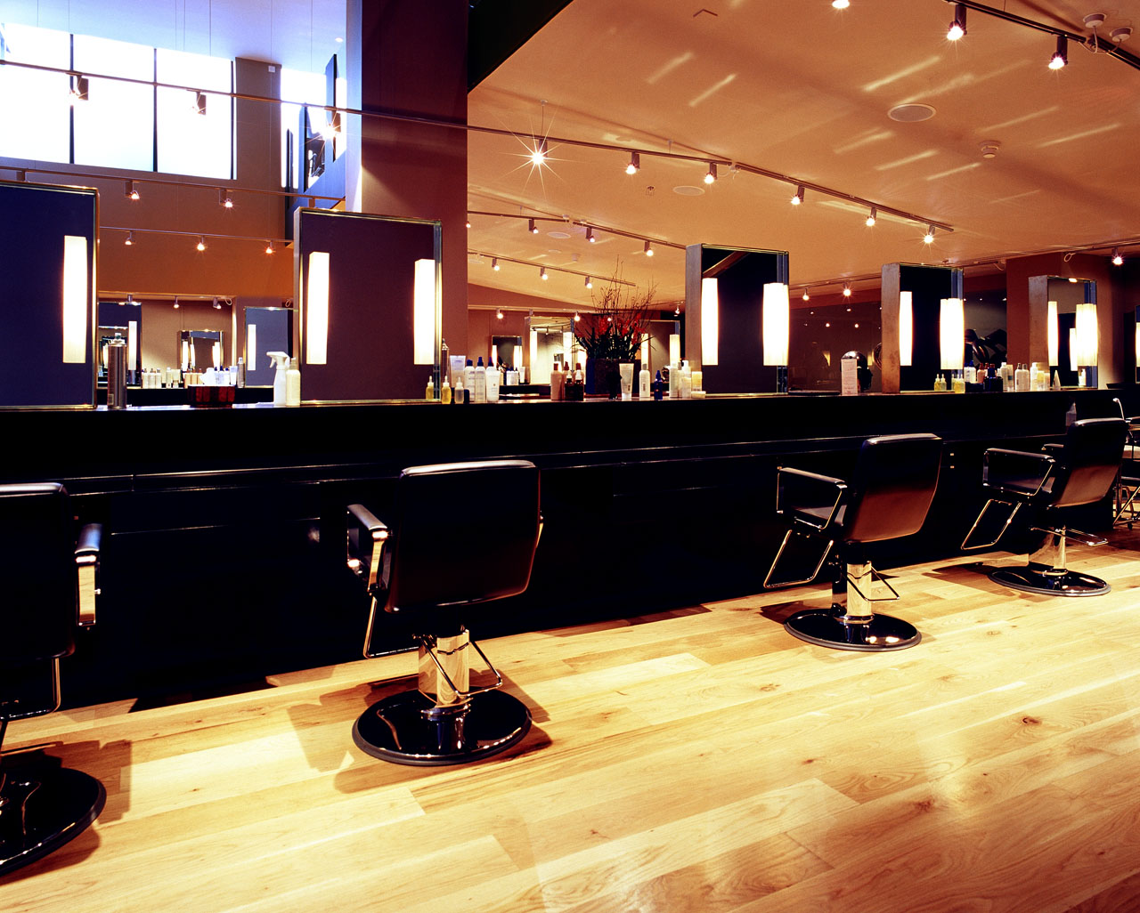 Hair-Salon-Urban-Retreat-at-Harrods