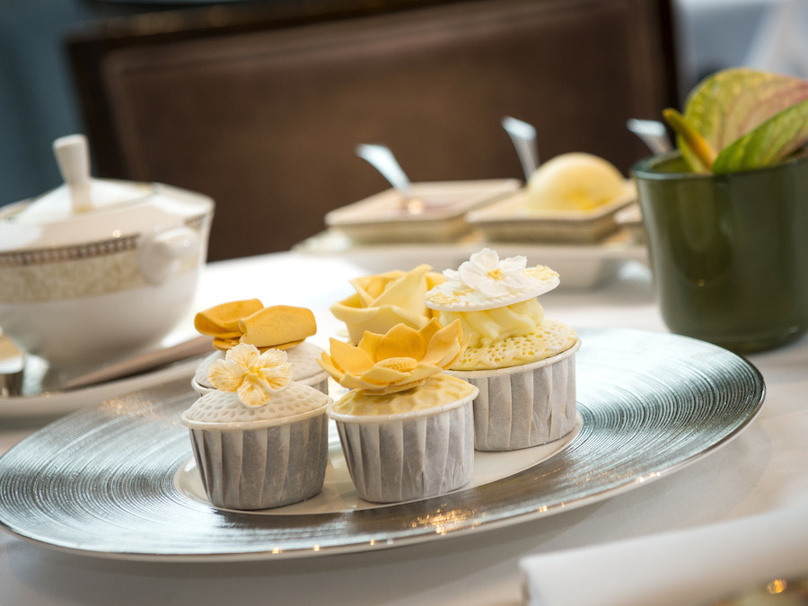Royal Garden Hotel Limited Edition Golden Moments Afternoon Tea (2)_1
