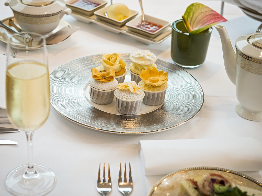Royal Garden Hotel Limited Edition Golden Moments Afternoon Tea (3)_1