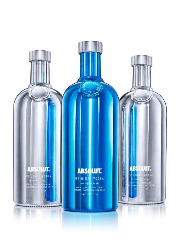0481-Absolut-Electrik_Group_Packshot_White-700ml_0