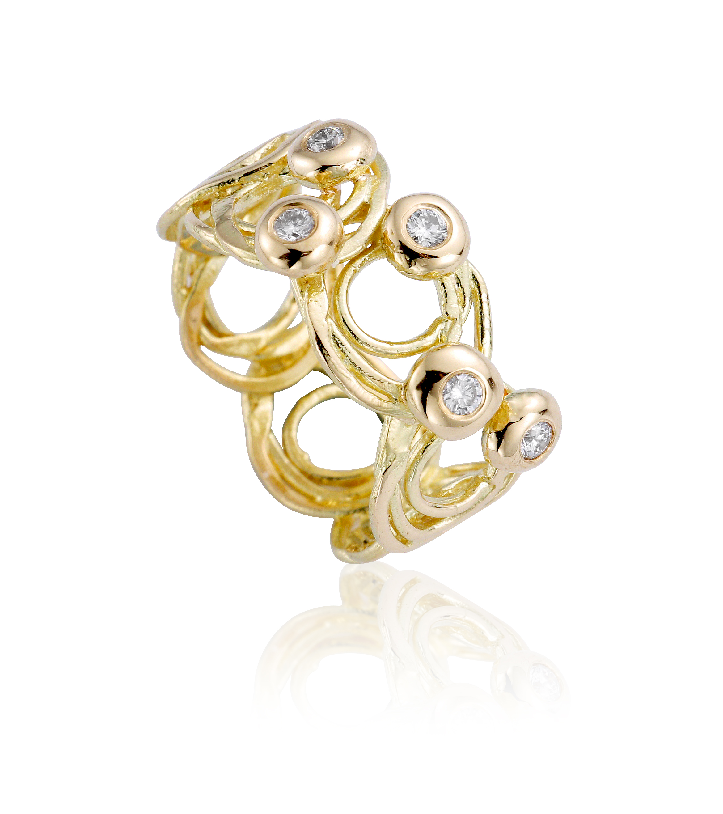 Shimmering ripples ring in 18ct yellow gold and diamonds