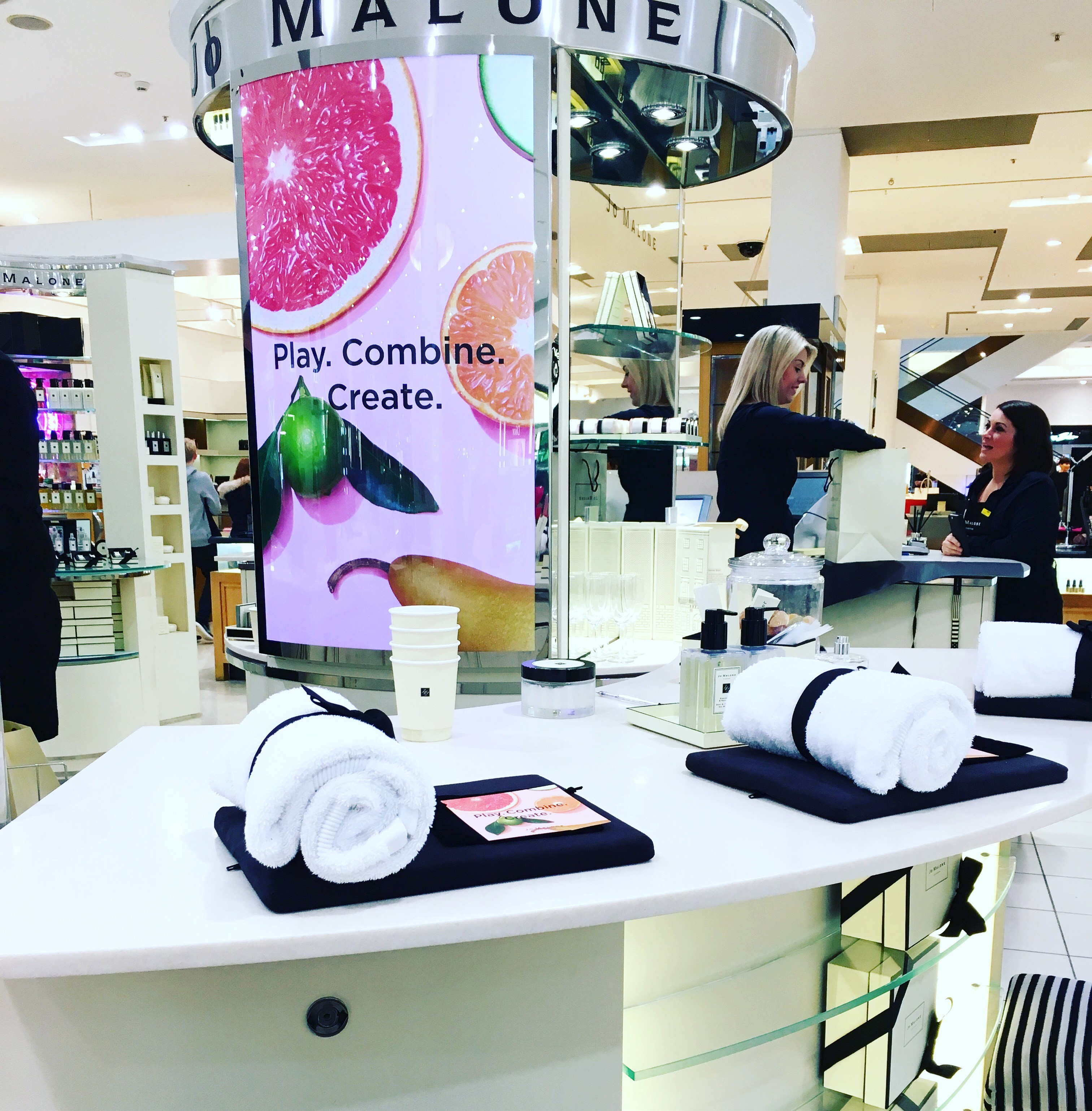 4ae36bc988a47 Mindfulness manicure including healing gem stones for just £10! Plus did  you know you can beat the crowds and arrive early at Selfridges on Sundays  – they ...