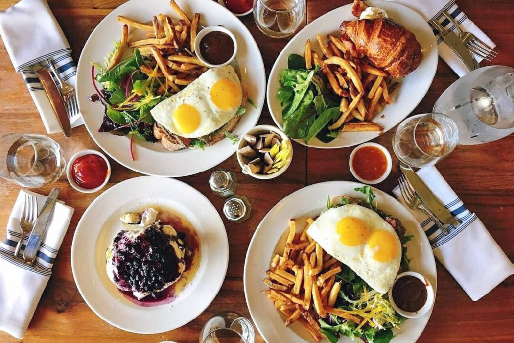How to Throw a Cozy Brunch this Winter | House of Coco