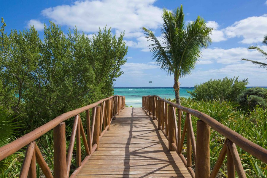Walkway to beach at UNICO 20°87° Riviera Maya