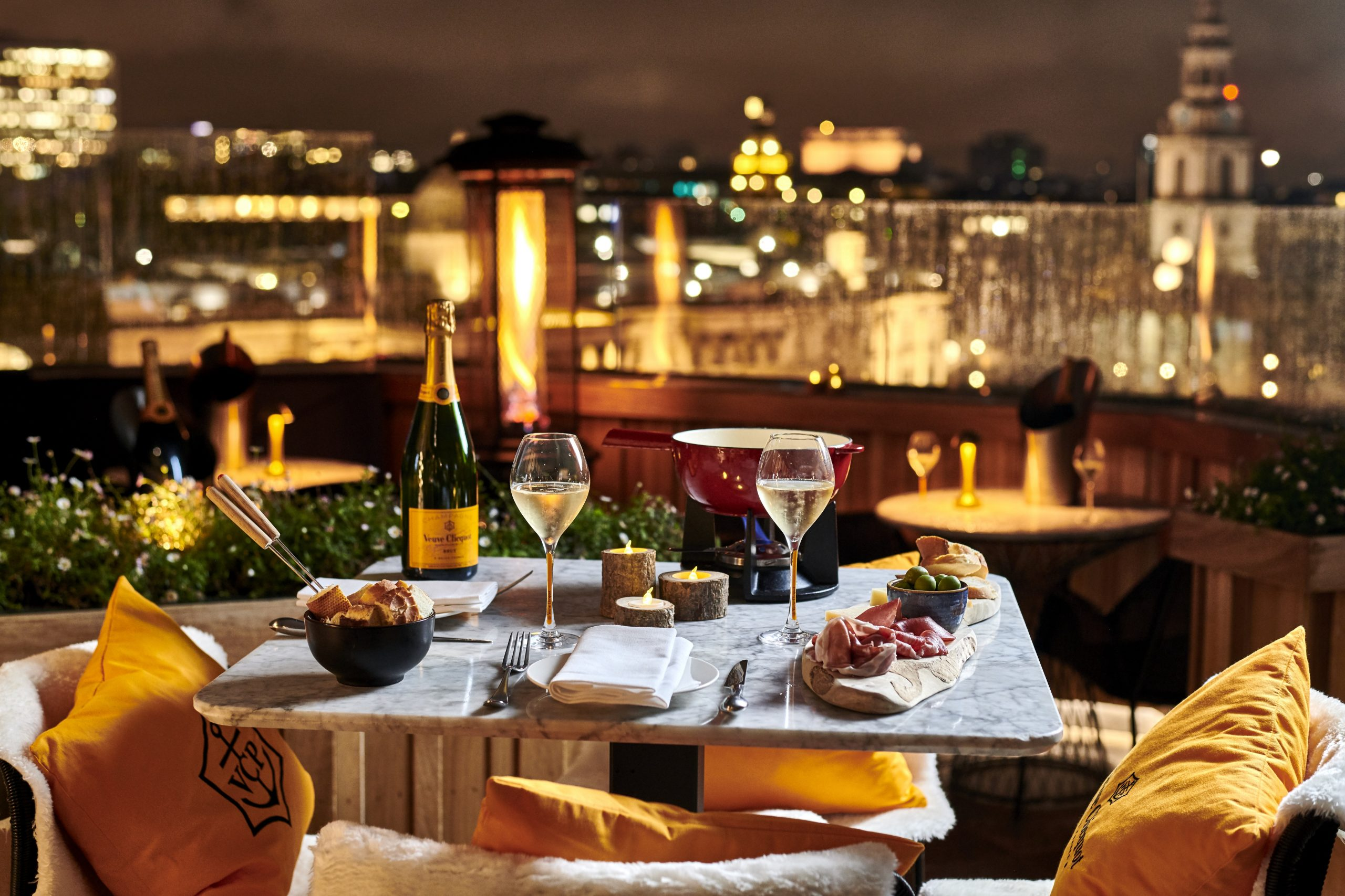 celebrate-valentines-day-london-rooftop-stjames-hotel